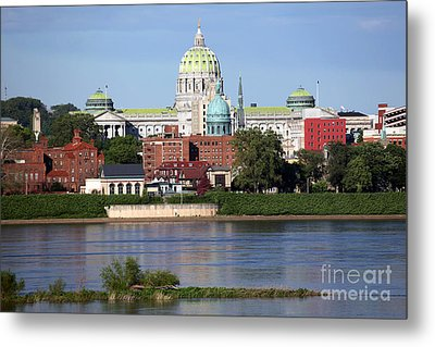 State Capitol Building Harrisburg Pennsylvania Metal Print by Bill Cobb