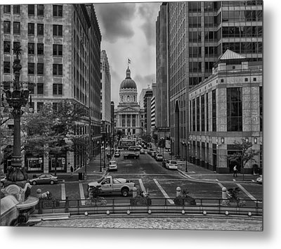 Metal Print featuring the photograph State Capitol Building by Howard Salmon