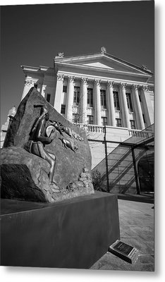 Statue Near The Capital Metal Print