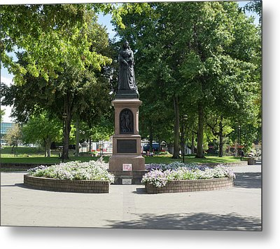 Statue Of Queen Victoria In Victoria Metal Print by Panoramic Images