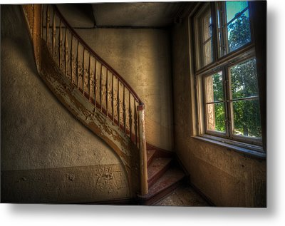 Steps In A Curve Metal Print by Nathan Wright