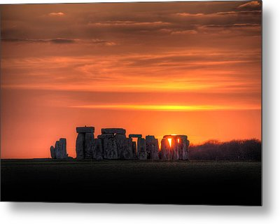 Stonehenge Sunset Metal Print by Simon West