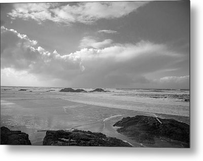 Storm Approaching Metal Print by Roxy Hurtubise