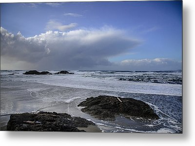 Storm Rolling In Wickaninnish Beach Metal Print by Roxy Hurtubise