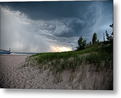 Storm Rolling In Metal Print by John Crothers