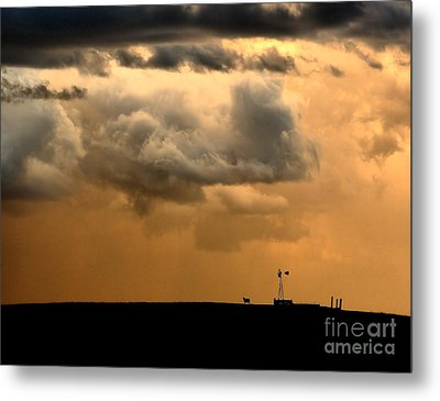 Metal Print featuring the photograph Storm's A Brewing by Steven Reed