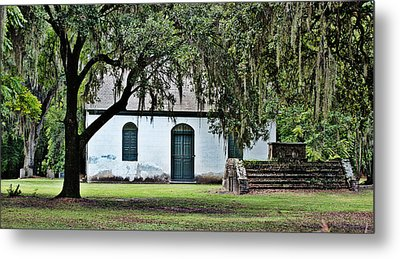 Metal Print featuring the photograph Strawberry Chapel by Linda Brown