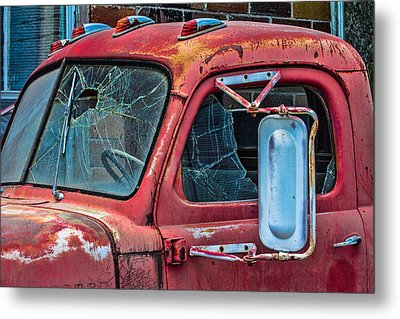 Metal Print featuring the photograph Strong City Red by Steven Bateson