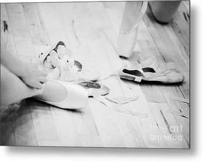 Students Putting On Pointe Shoes At A Ballet School In The Uk Metal Print by Joe Fox