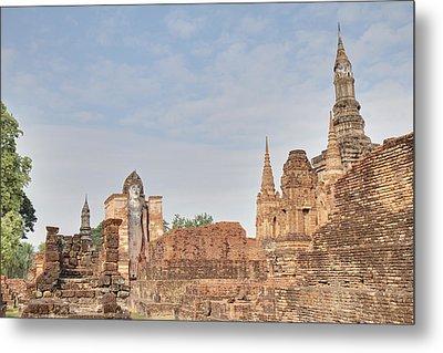 Sukhothai Historical Park - Sukhothai Thailand - 011316 Metal Print by DC Photographer