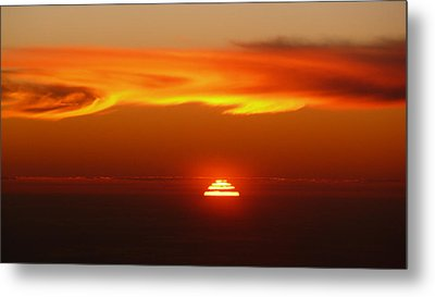 Sun Fire Metal Print by Evelyn Tambour