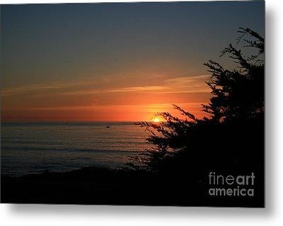 Sun Setting In Cambria Calm Pacific Metal Print