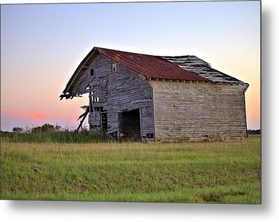 Sun Slowly Sets Metal Print by Gordon Elwell