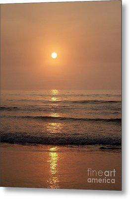 Sun Up Along Hampton Beach Metal Print by Eunice Miller