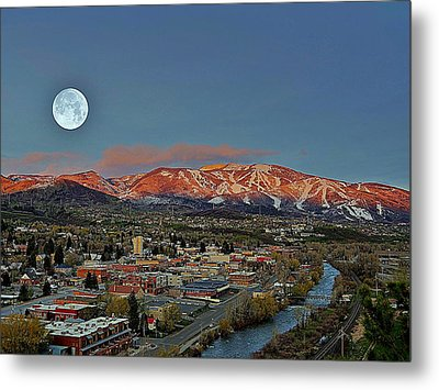 Sundown Moon Rise Metal Print by Matt Helm