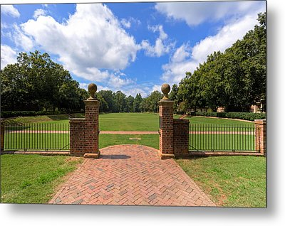 Metal Print featuring the photograph Sunken Garden At William And Mary by Jerry Gammon