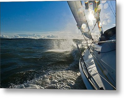 Sunlit Bow Spray Metal Print by Gary Eason