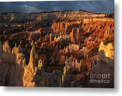 Sunrise At Bryce Canyon Metal Print by Sandra Bronstein