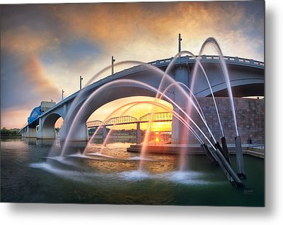 Sunrise At John Ross Landing Fountain Metal Print