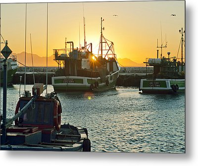 Sunrise At Kak Bay Metal Print by Tom Hudson