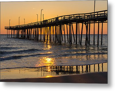 Sunrise At Outer Banks Fishing Pier Metal Print
