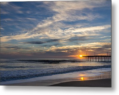 Sunrise At The Pier Metal Print by Gregg Southard