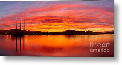 Sunrise Bay Metal Print