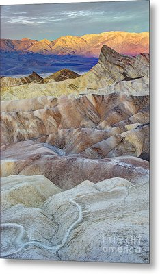 Sunrise In Death Valley Metal Print by Juli Scalzi