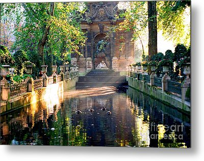 Metal Print featuring the photograph Sunrise In Paris by Kathy Bassett