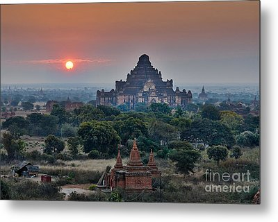 sunrise over Bagan Metal Print by Juergen Ritterbach