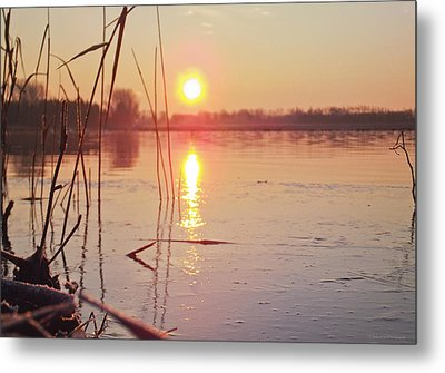 Sunrise Over Frozen Water Metal Print by Yvon van der Wijk