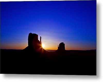 Sunrise Over Monument Valley Metal Print by Susan Schmitz