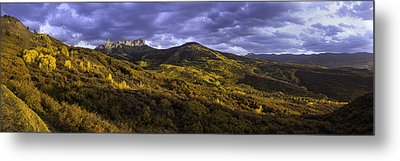 Metal Print featuring the photograph Sunset At Courthouse Mountain by Kristal Kraft