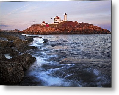 Sunset At Nubble Light Metal Print by Eric Gendron
