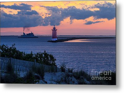 Sunset At The Point Metal Print by Robert Pilkington