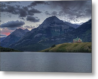 Sunset At The Prince Of Wales Metal Print by Darlene Bushue