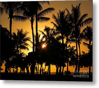 Sunset By The Beach Metal Print by Ranjini Kandasamy