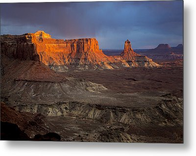 Sunset In Canyonlands Metal Print by Dave Cleaveland