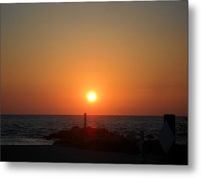 Sunset In Captiva Metal Print by Val Oconnor