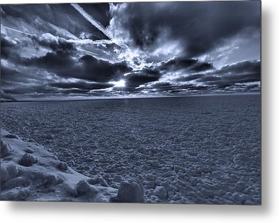 Sunset In The Arctic Metal Print by Dan Sproul
