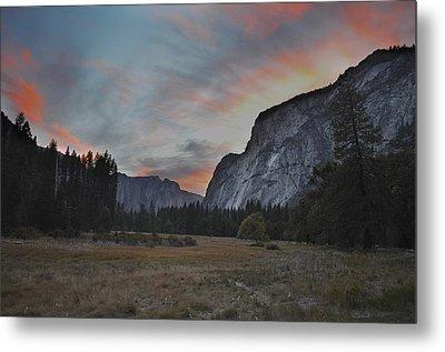 Sunset In Yosemite Valley Metal Print