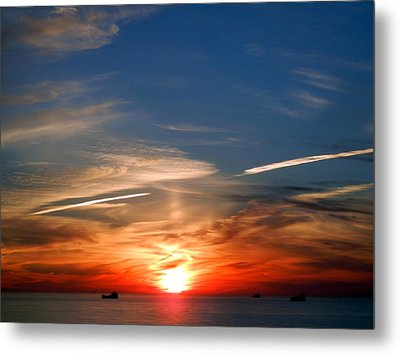 Sunset On The Gulf Of Mexico Metal Print by Debra Martz