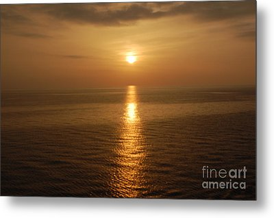 Sunset Over The Adriatic Metal Print by Linda Prewer