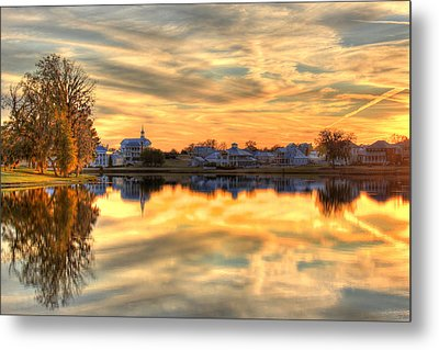 Sunset Reflections Metal Print by Leslie Kirk