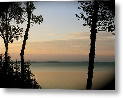 Sunsets On The Bay Of Fundy Metal Print by Robin Regan