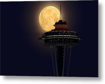 Supermoon 2012 Metal Print by Quynh Ton