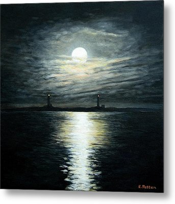 Supermoon Rising Over Thacher Island Metal Print by Eileen Patten Oliver