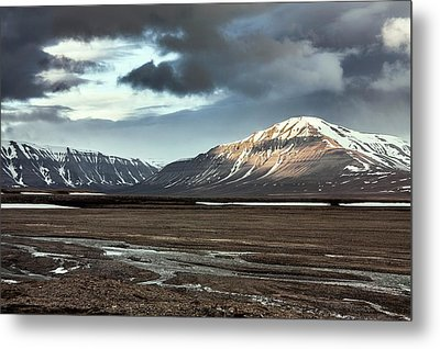 Svalbard Mountains Metal Print by Paul Williams