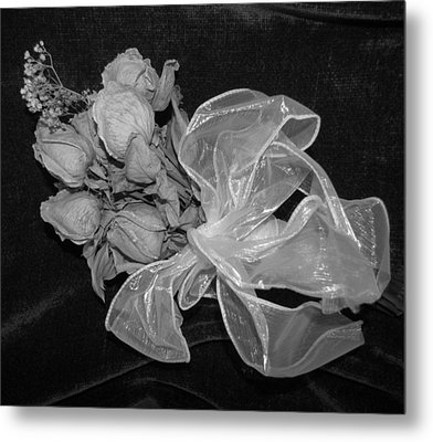 Metal Print featuring the photograph Sweet Memory by Beth Vincent