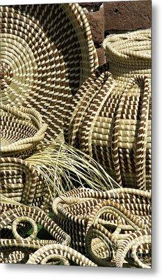 Sweetgrass Baskets - D002362 Metal Print by Daniel Dempster